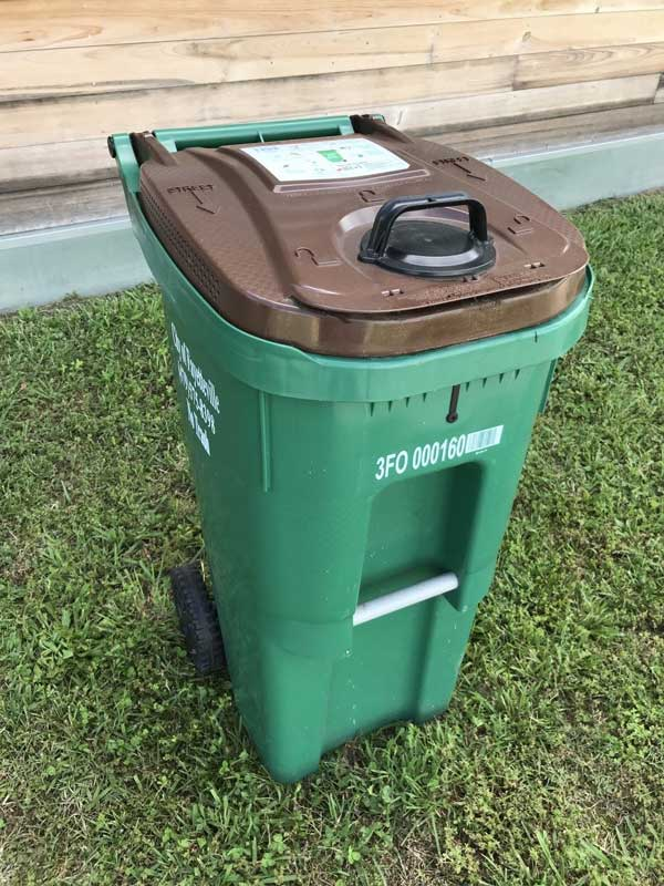 Image of food waste compost receptacle Opens in new window